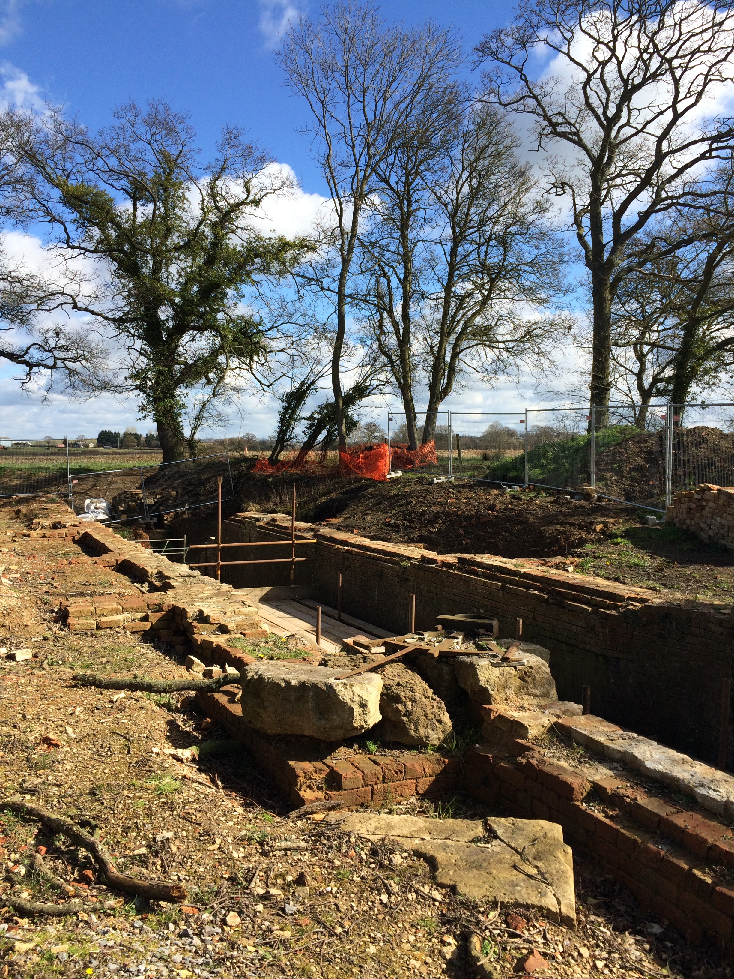 2016 06 14 Wilts and Berks Canal Pewsham lock restoration 2